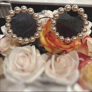 Collectors CHANEL Vintage pearl runway sunglasses